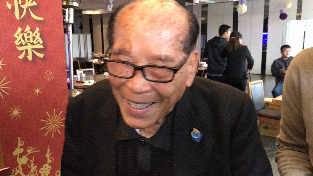 名譽董事長田再庭面對茶壺裡的風暴説,以和為貴、靜觀其變。記者葉君遠/攝影