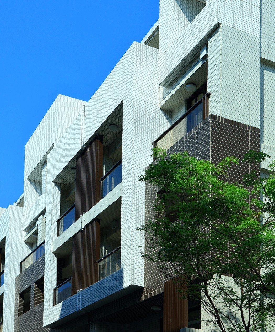 居富開發用精準的建築設計力,打造青年別墅合身款! 圖片提供/居富開發