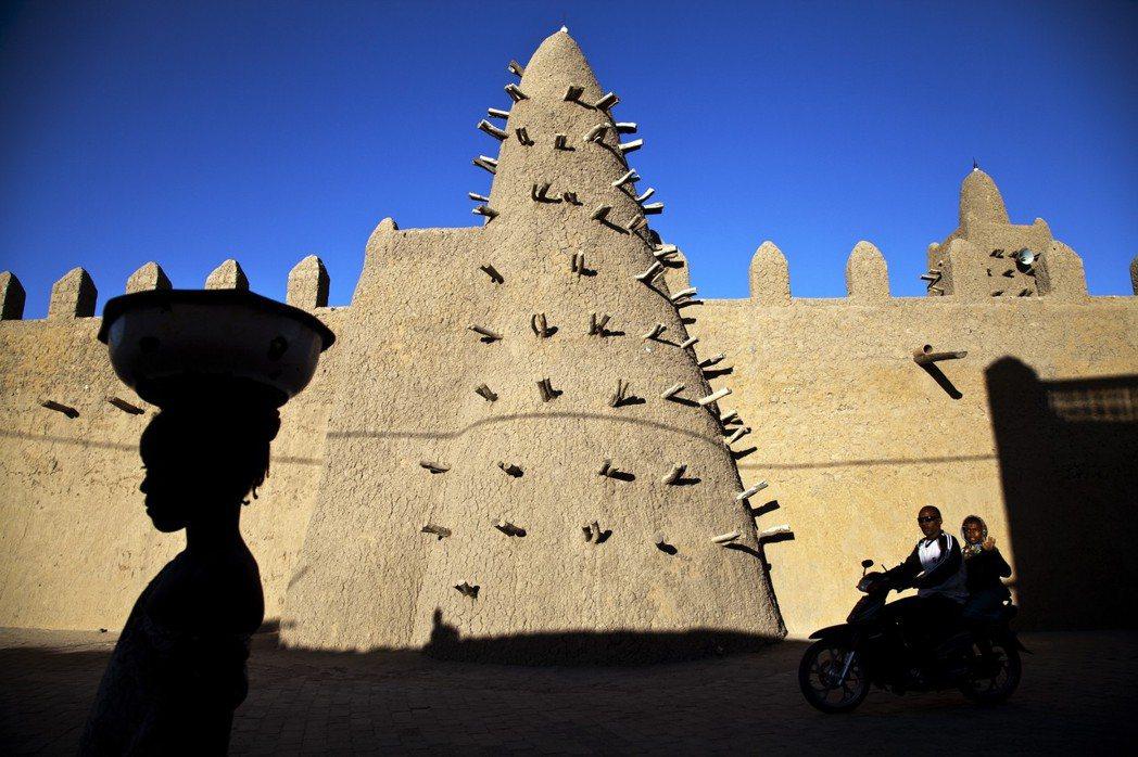 位在西非馬利共和國的廷巴克圖(Timbuktu),過去曾是伊斯蘭世界的文化重城。...