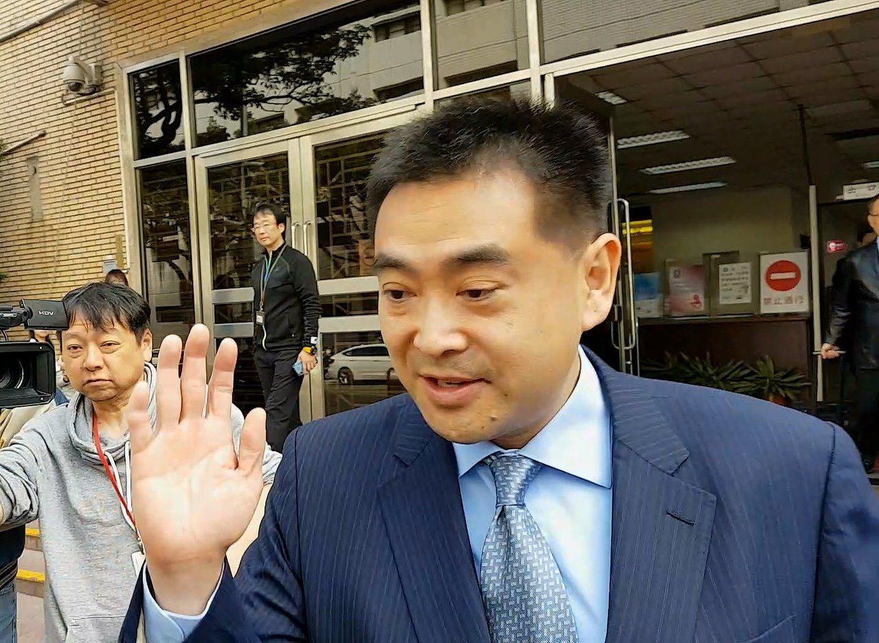 華南銀行副董事長林知延被控在前妻子、新光人壽副總經理吳欣盈的座車安裝GPS衛星定...