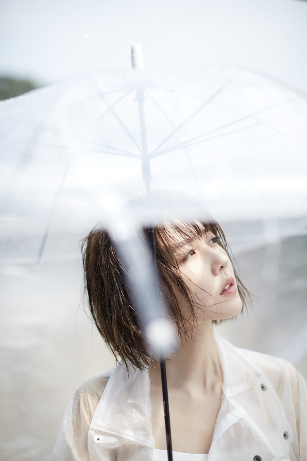 邵雨薇走出戲劇舒適圈跨足歌壇,挑戰「歌手」新身分。圖/寬宏藝術提供