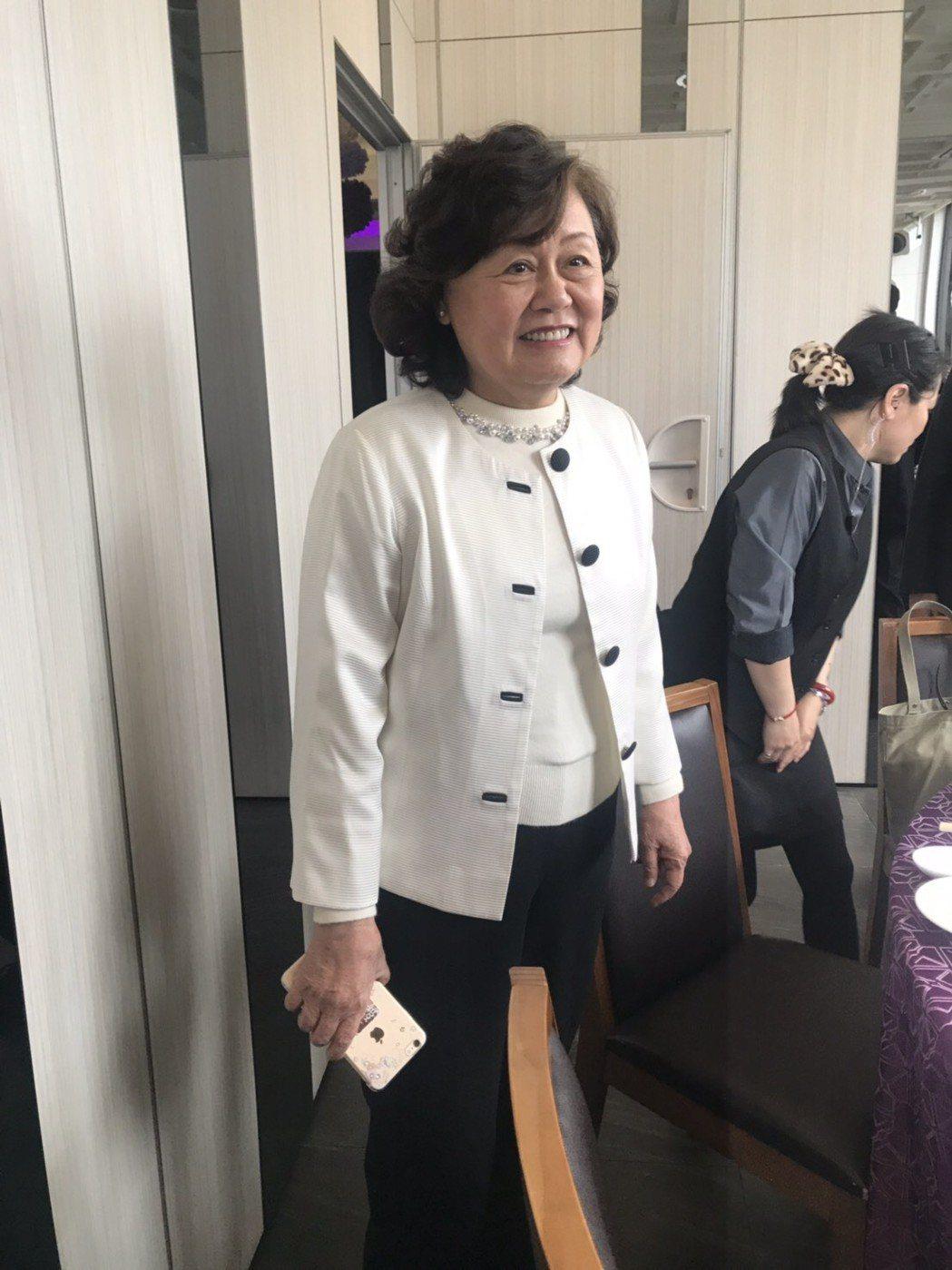 原任民視總經理的王明玉在當選新任董事長後,特地來跟媒體打個招呼。圖/民視提供