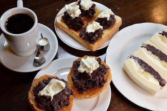 KAKO BUCYO COFFEE除了小倉紅豆吐司外,店內亦提供小倉紅豆圓麵包。...