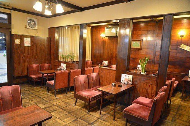 KONPARU屋內即是復古的喫茶店風情。圖/業者提供