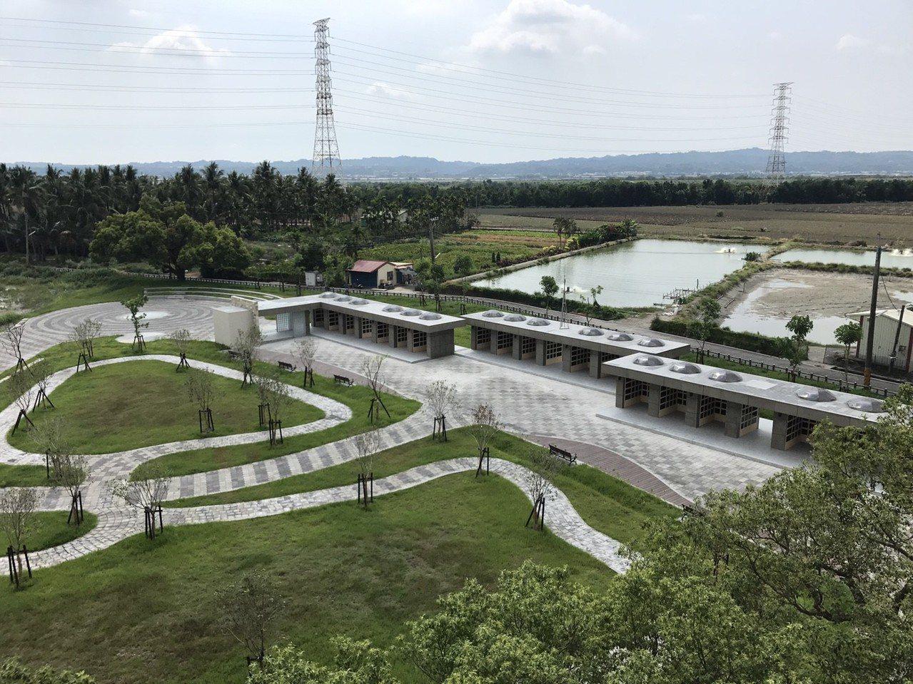 屏東市公所在歸園推出2.5公頃的環保葬區,才剛推出,就有不少人詢問。 圖/屏東市...