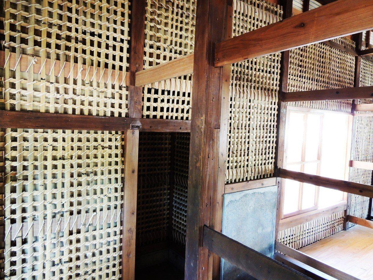台東縣修復的首棟日式宿舍因使用鐵釘及鉚釘、鐵絲等結合,曾遭批評「失去原味」。 記...