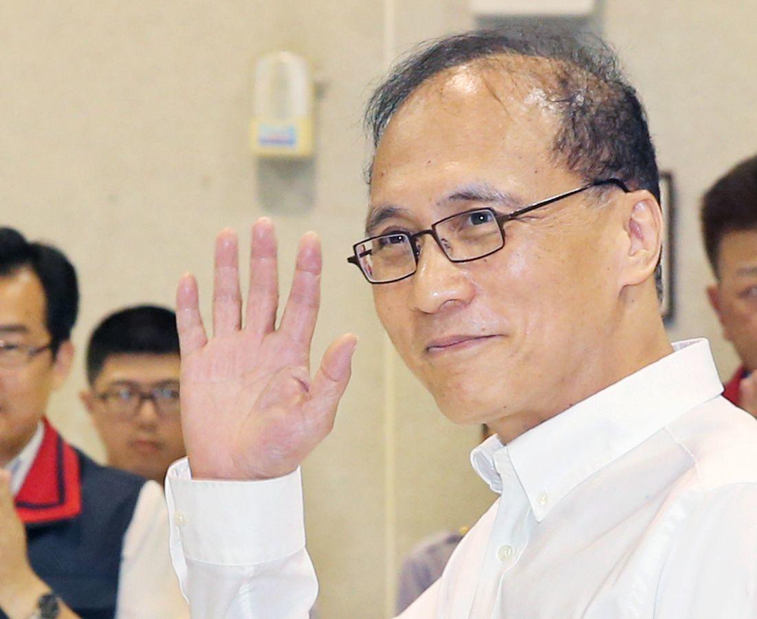 圖為前行政院長林全正式提出辭呈情形。報系資料照