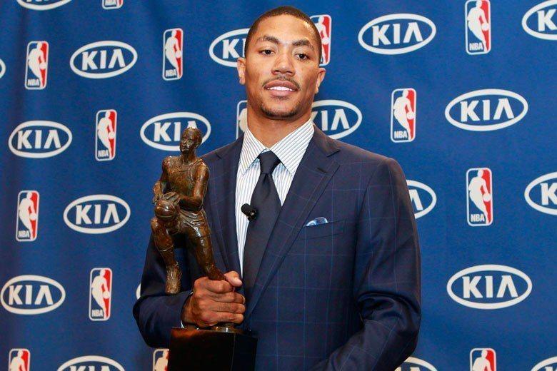 羅斯不但在第一個球季就拿下年度最佳新秀,2011年更成為年度MVP,輝煌的籃球生...