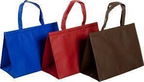 肯亞日前提升袋子禁令,這個月起連無紡布袋都要禁,罰則比照前年塑膠袋禁令。 台灣醒...
