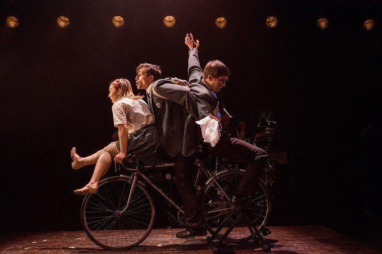 《在遺忘之後》以默劇、舞蹈及現場音樂,立體地展示患上失智症的狀態。 (Danil...