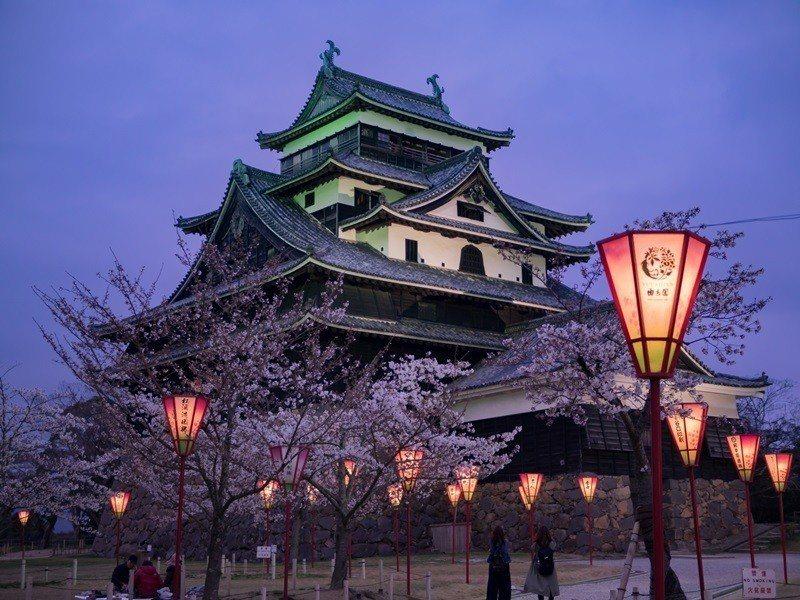 松江城 是山陰唯一國寶名城,是日本現存12座天守之一。