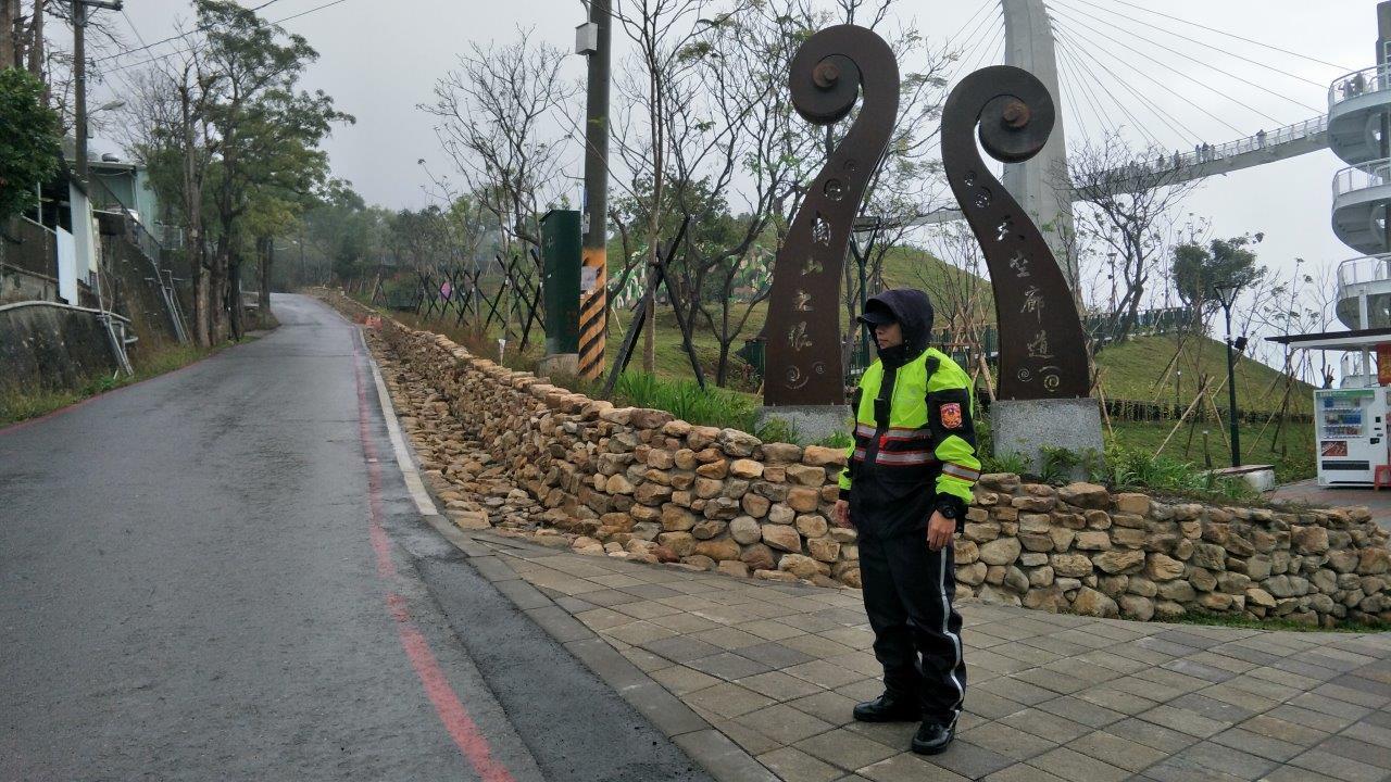 清明連續假日,高雄市警方將對崗山之眼等7處風景區,實施交通管制措施。圖/報系資料...