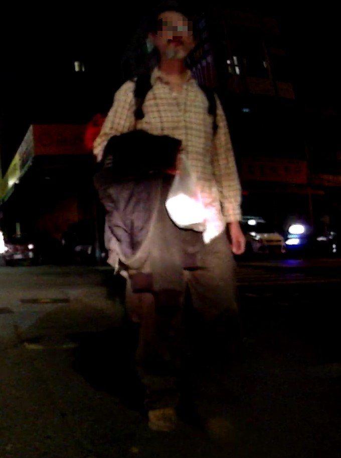 曾是藝術家的邵姓男子因酒駕,遭高雄地檢署以不能安全駕駛為由通緝2個多月,但他因居...