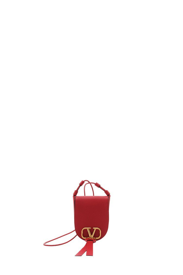 Valentino Garavani VRING紅色馬鞍包,48,800元。圖/...