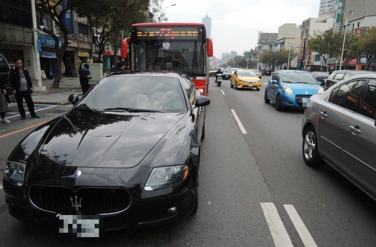 黑色瑪莎拉蒂跑車。圖為示意,內容和報導無關。 資料照/記者張媛榆翻攝