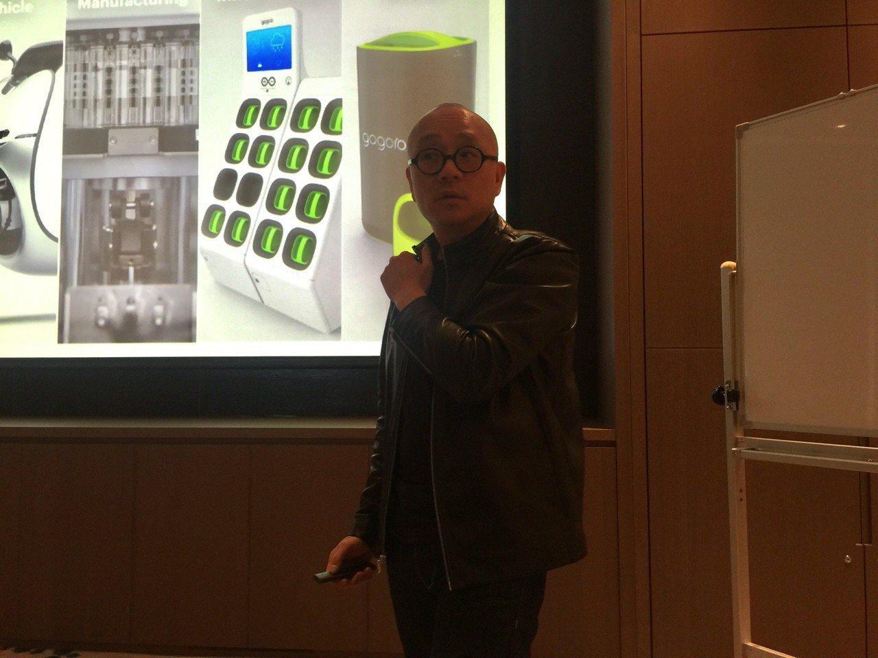 Gogoro執行長陸學森今天宣布,今年夏天將推出21700鋰電池,預計年底將占整...