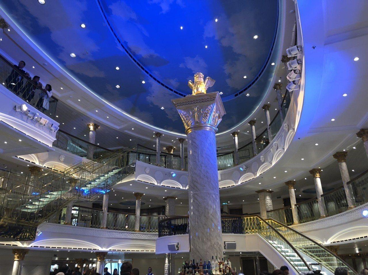 歌詩達《威尼斯號Venezia》精心復刻義大利知名景點聖馬克大教堂。圖/雄獅旅遊...