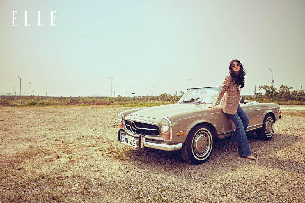陳昭榮女兒陳品兒登上時尚雜誌,並為她出外景拍時尚大片。圖/ELLE雜誌提供