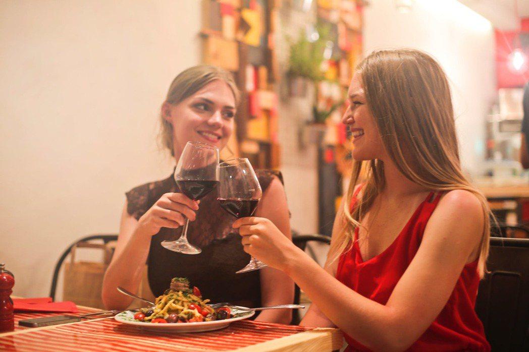 姐妹們,放心大口的吃義大利麵吧!圖/摘自 pexels