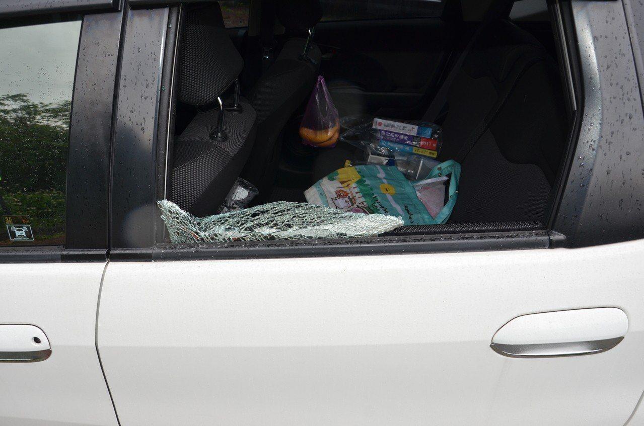 警方表示,今年3月中旬開始,陸續接獲民眾報案,在壯圍鄉與頭城鎮發生數起車窗遭擊破...