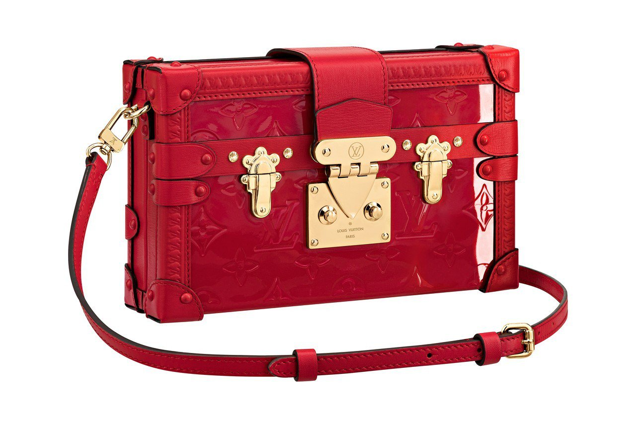 早秋的多樣Vernis漆亮皮革包款,靈感來自Marc Jacobs當初加入路易威...