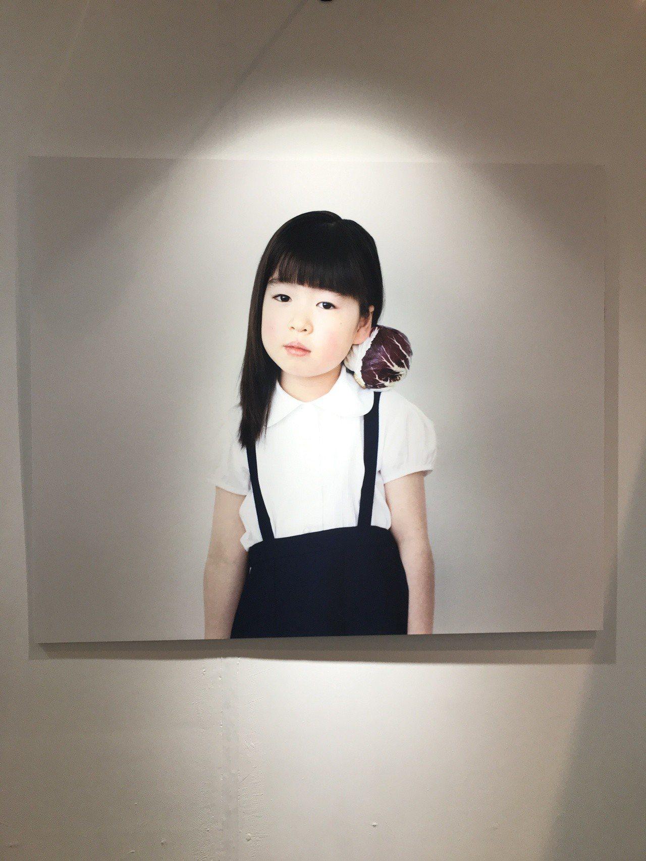 橫浪修「1000 Children」系列。記者江佩君/攝影