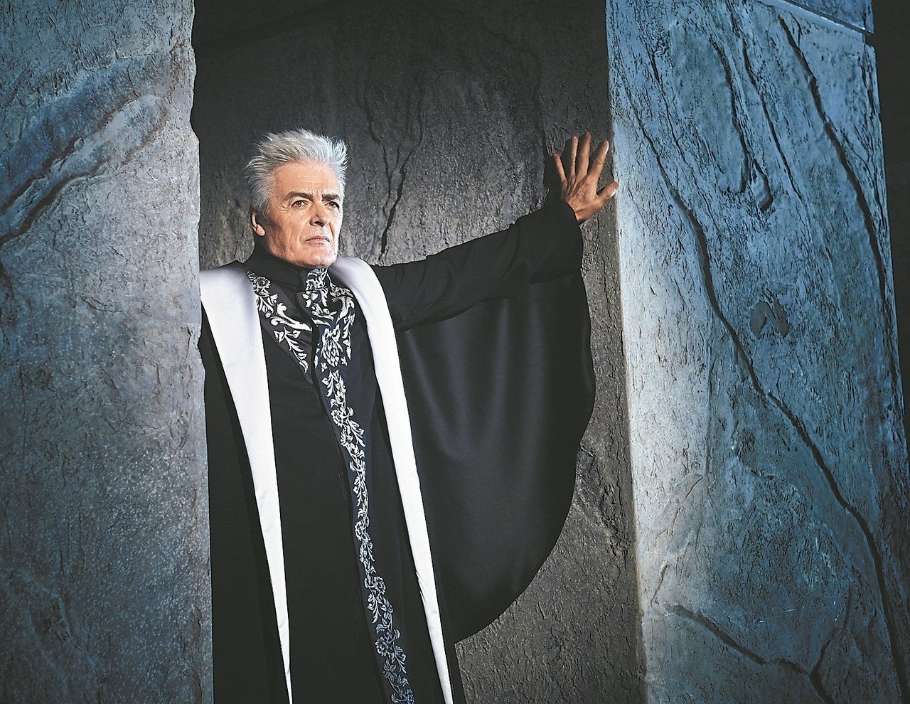 「鐘樓怪人」1998年初代副主教演員丹尼爾Daniel Lavoie將來台。 圖...