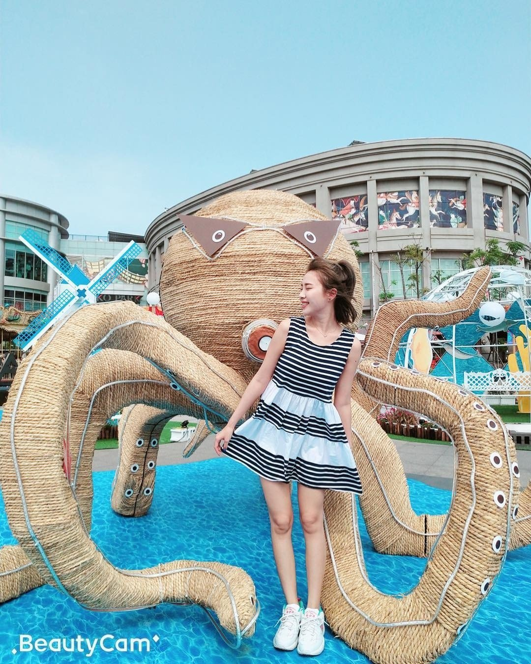 圖/三米高的巨大章魚哥,神態生動有趣。網友jane.duu.88授權