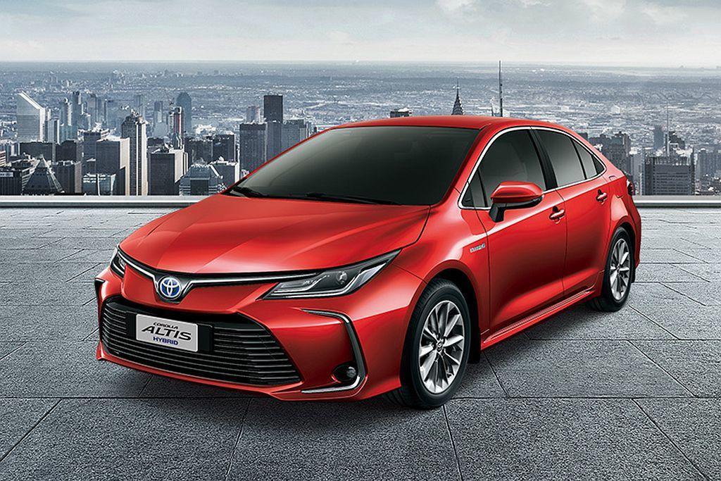 新Toyota Corolla Altis Hybrid縱使有國產優勢,不過進口品質的Prius家族仍擁有許多擁護者,在銷量上反倒是有加乘的效果。 圖/Toyota提供