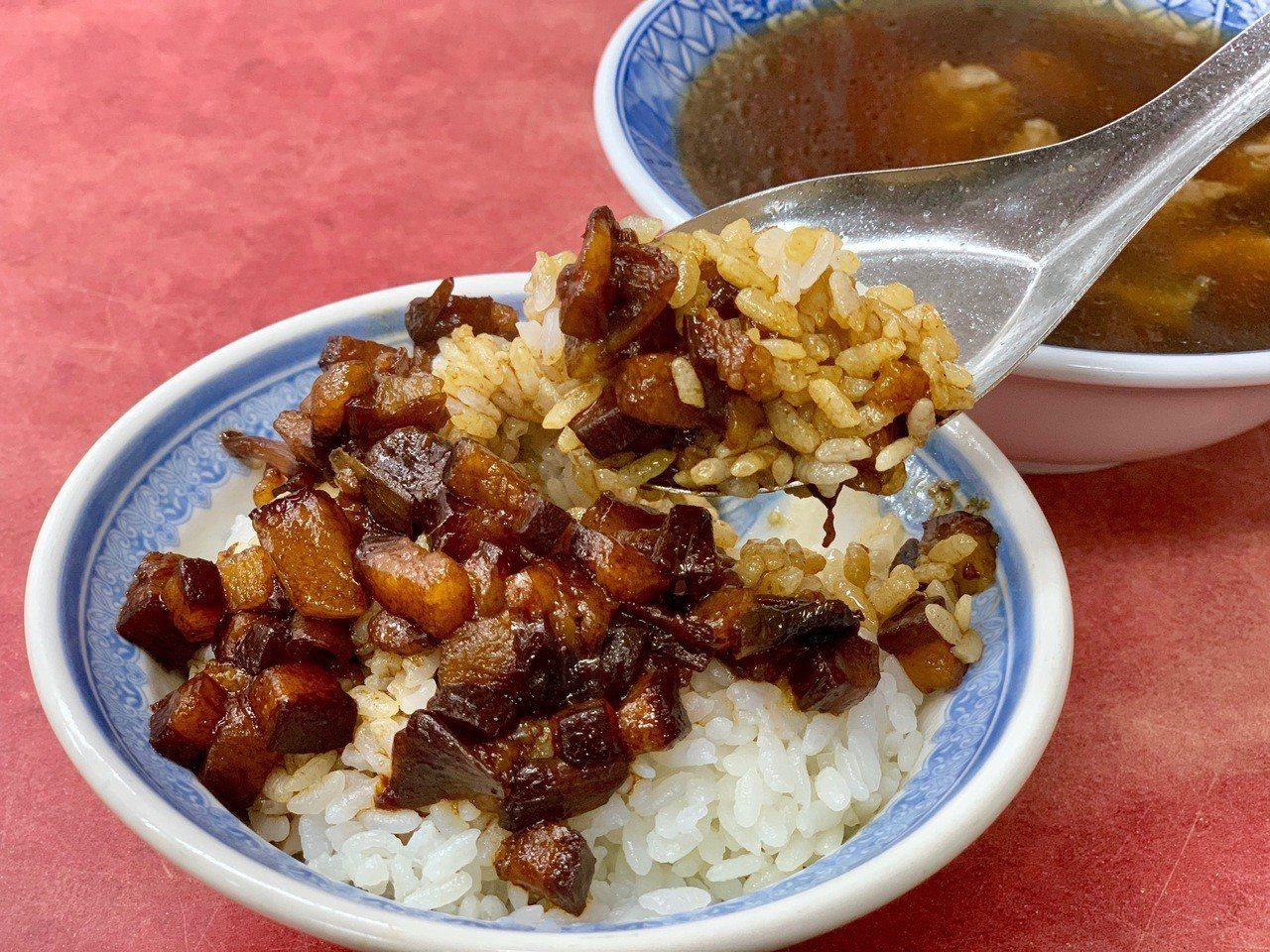 「滷肉飯」售價25元。記者張芳瑜/攝影