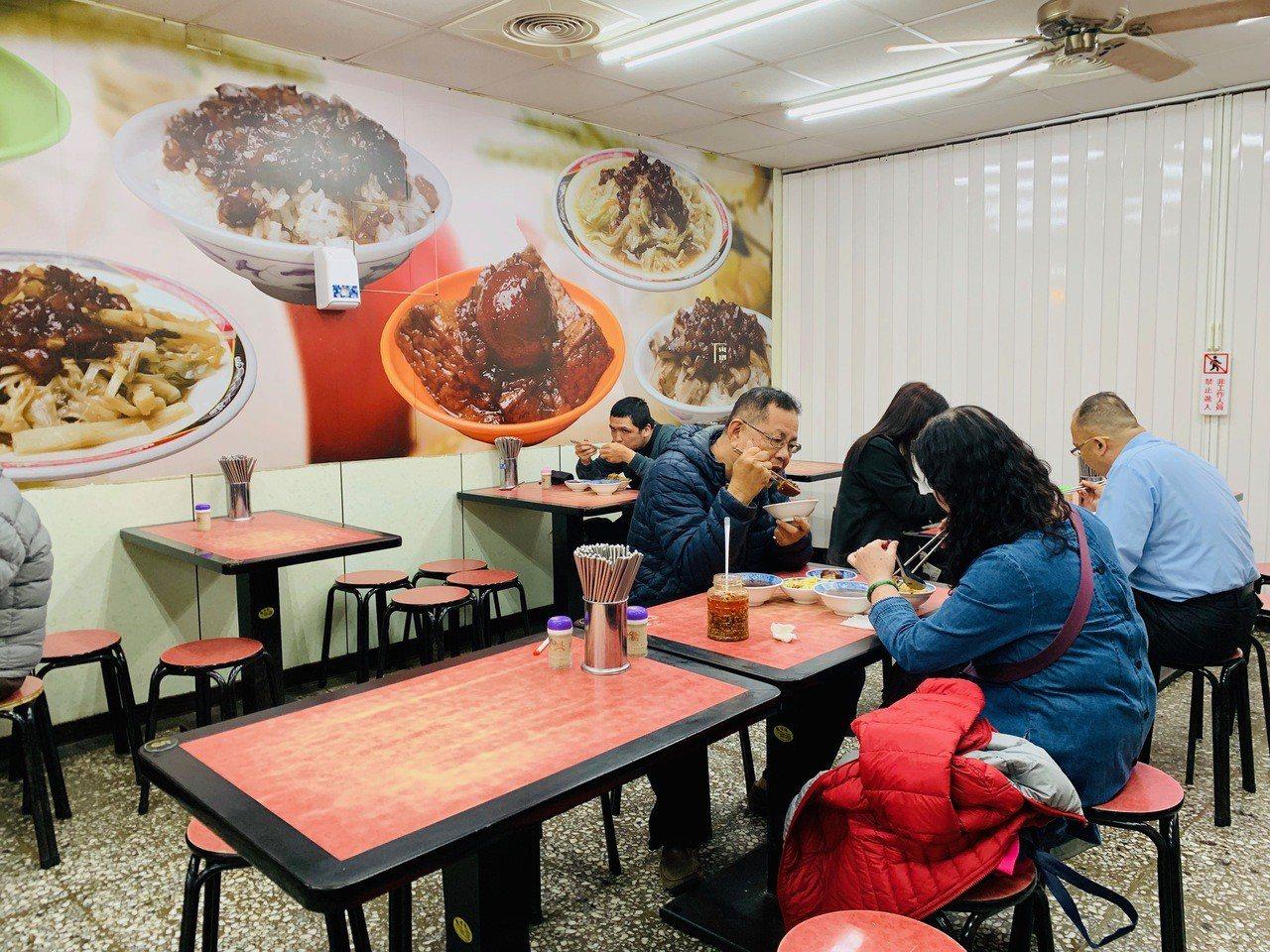 店內寬敞的用餐空間。記者張芳瑜/攝影