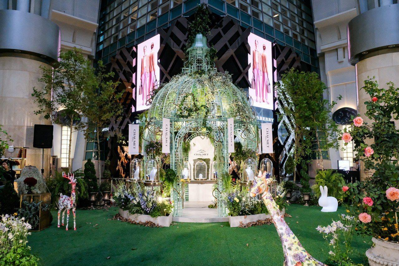 台北101購物中心在4F都會廣場打造夢幻花園101 Dream Garden。圖...