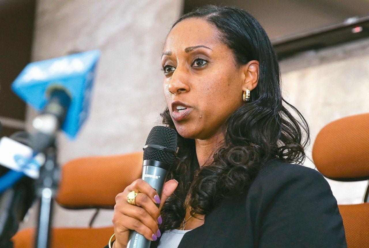 衣索比亞交通部長莫格斯四日舉行記者會,公布衣航空難首份官方報告。 (歐新社)