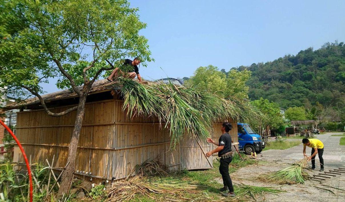 逐鹿社區人士興建鄒族家屋,讓部落文化在山下也能繼續傳承。 記者謝恩得/攝影