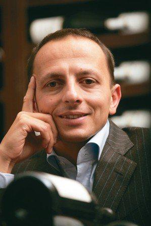 Enrico Bernardo是2004年拿到世界最佳侍酒師的頭銜,當年以29歲...