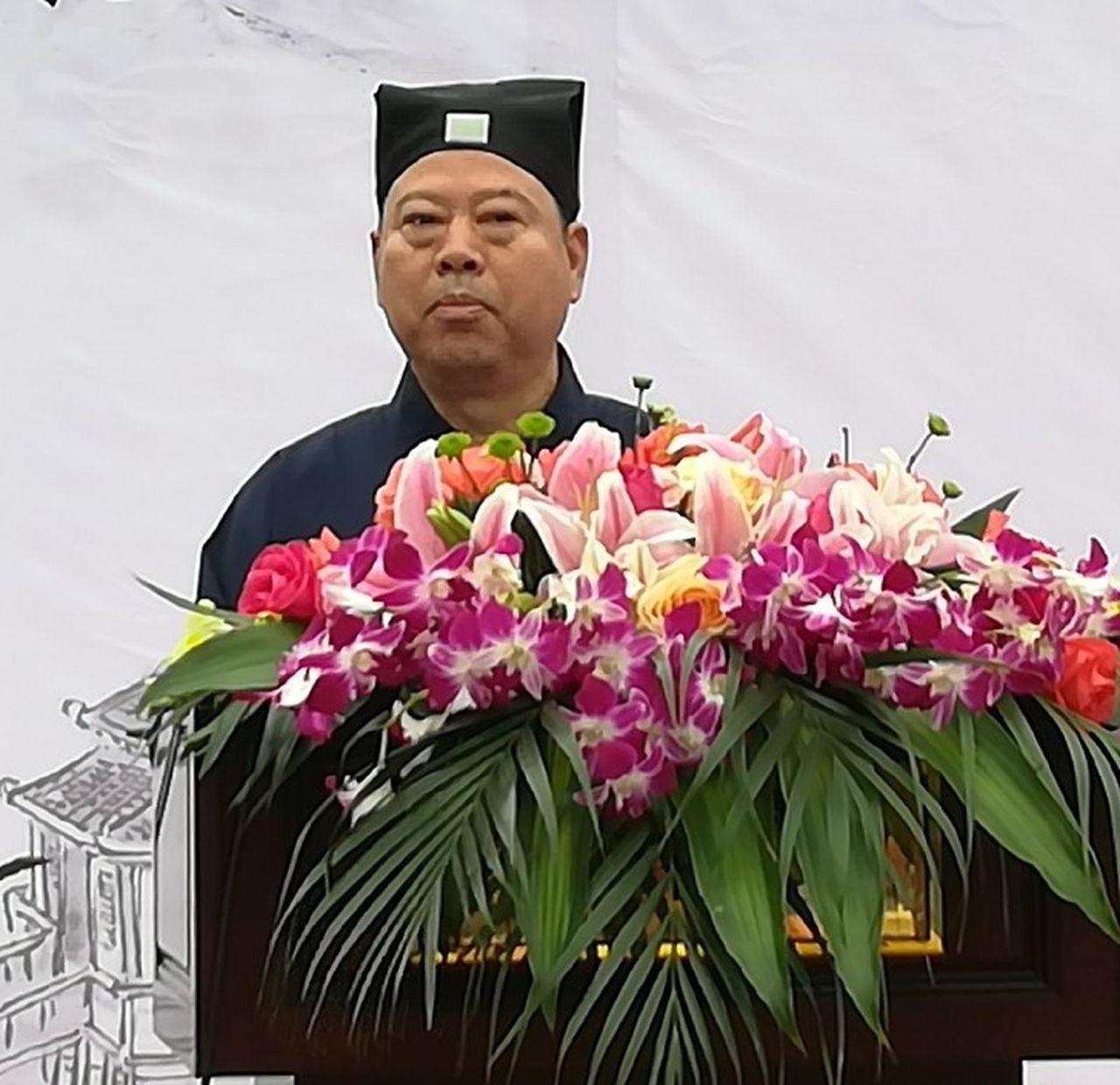 陸萬禎擁有數輛豪車,被傳是海南道教協會副會長陸文榮之子。 圖截自微博