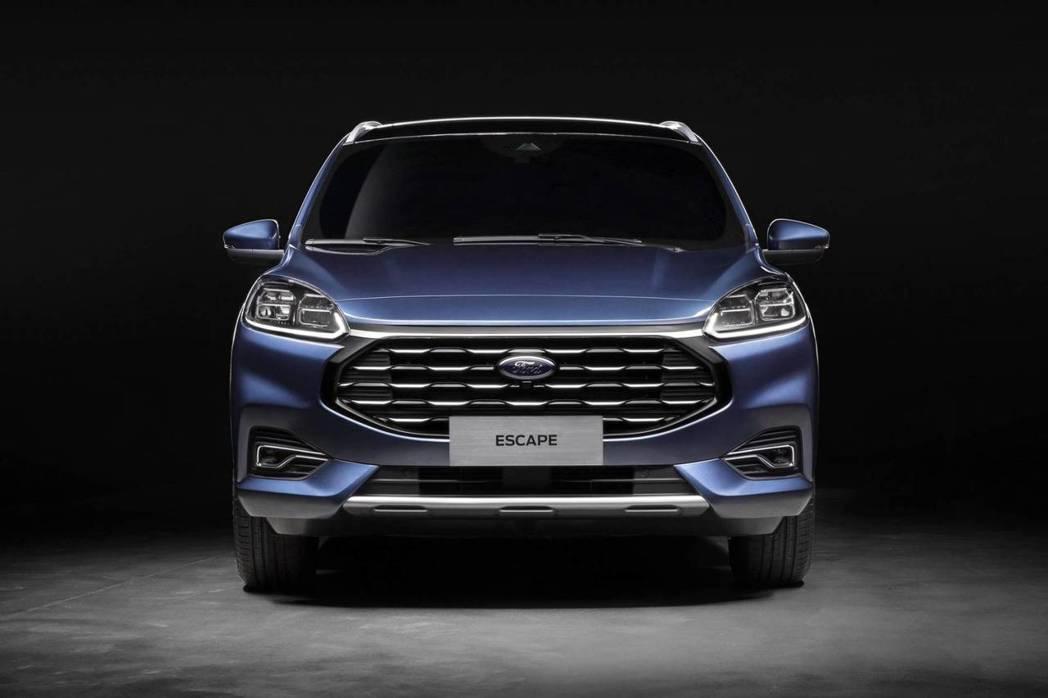 中國版Ford Escape的車頭設計,與美規Escape及歐規Kuga有所差異...