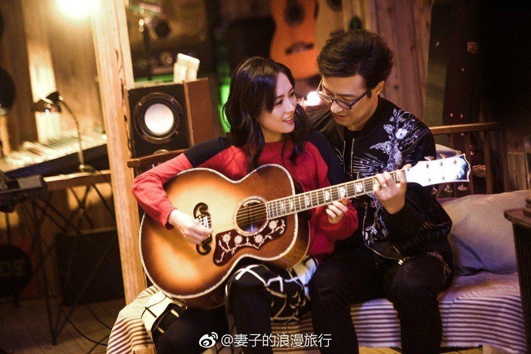 章子怡在節目上分享次見汪峰的場景。圖/摘自微博