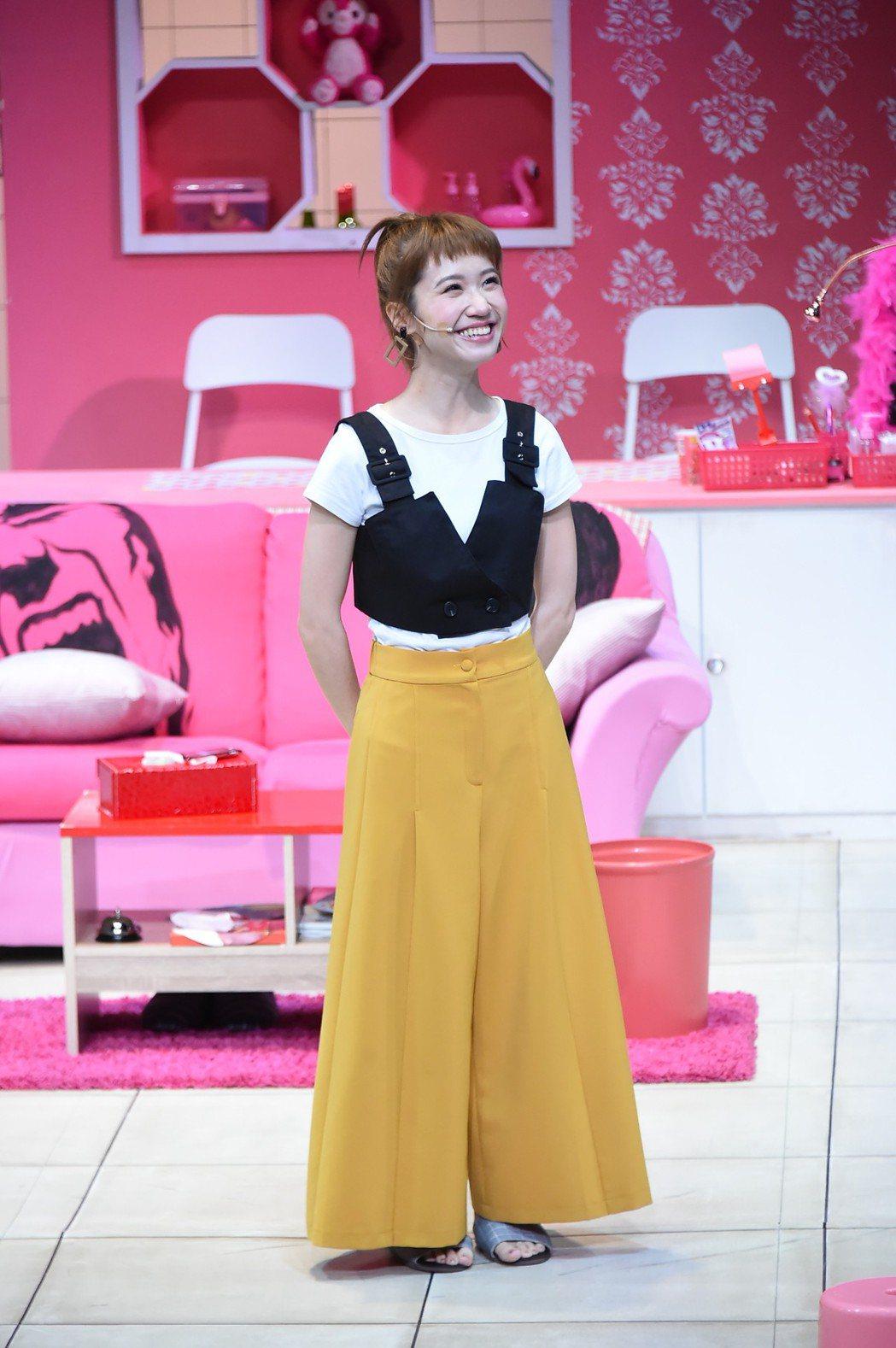 Lulu黃路梓茵演出舞台劇「單身租隊友」。記者陳慧貞/攝影