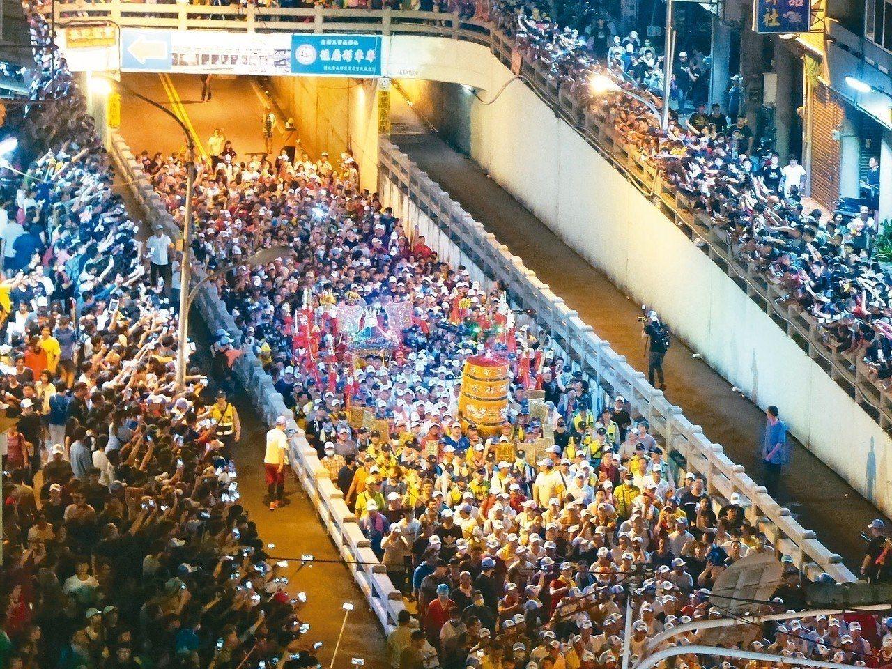 大甲媽祖遶境活動明晚起駕,有台灣地表最大遷移活動之稱。本報資料照片