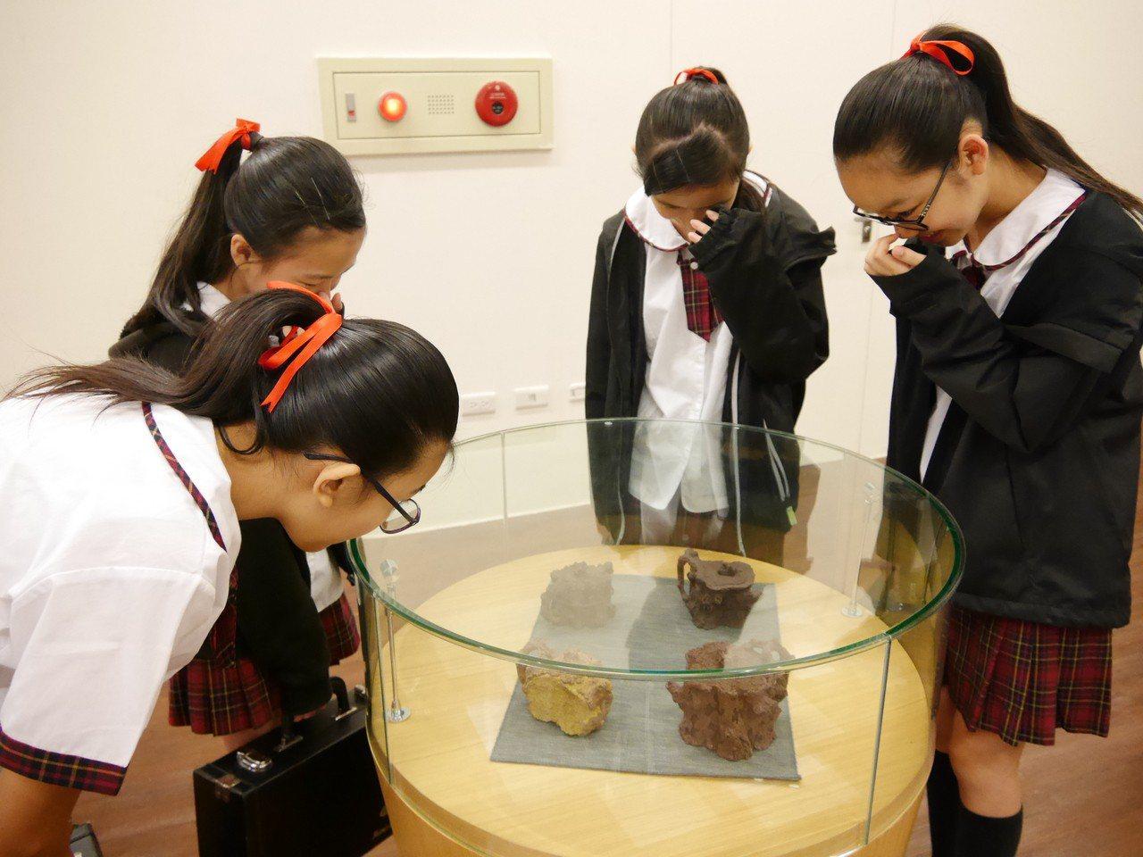 「陶雕之聲、木藝迴響」謝鴻達陶瓷工藝特展4月3日起在台灣客家文化館推出。圖/客發...