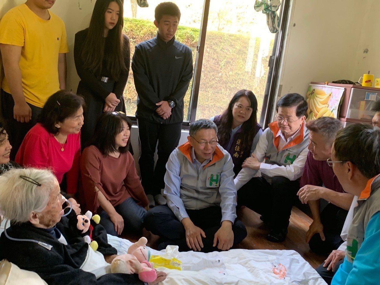 台北市長柯文哲參加一日社區醫師活動。記者楊正海/攝影