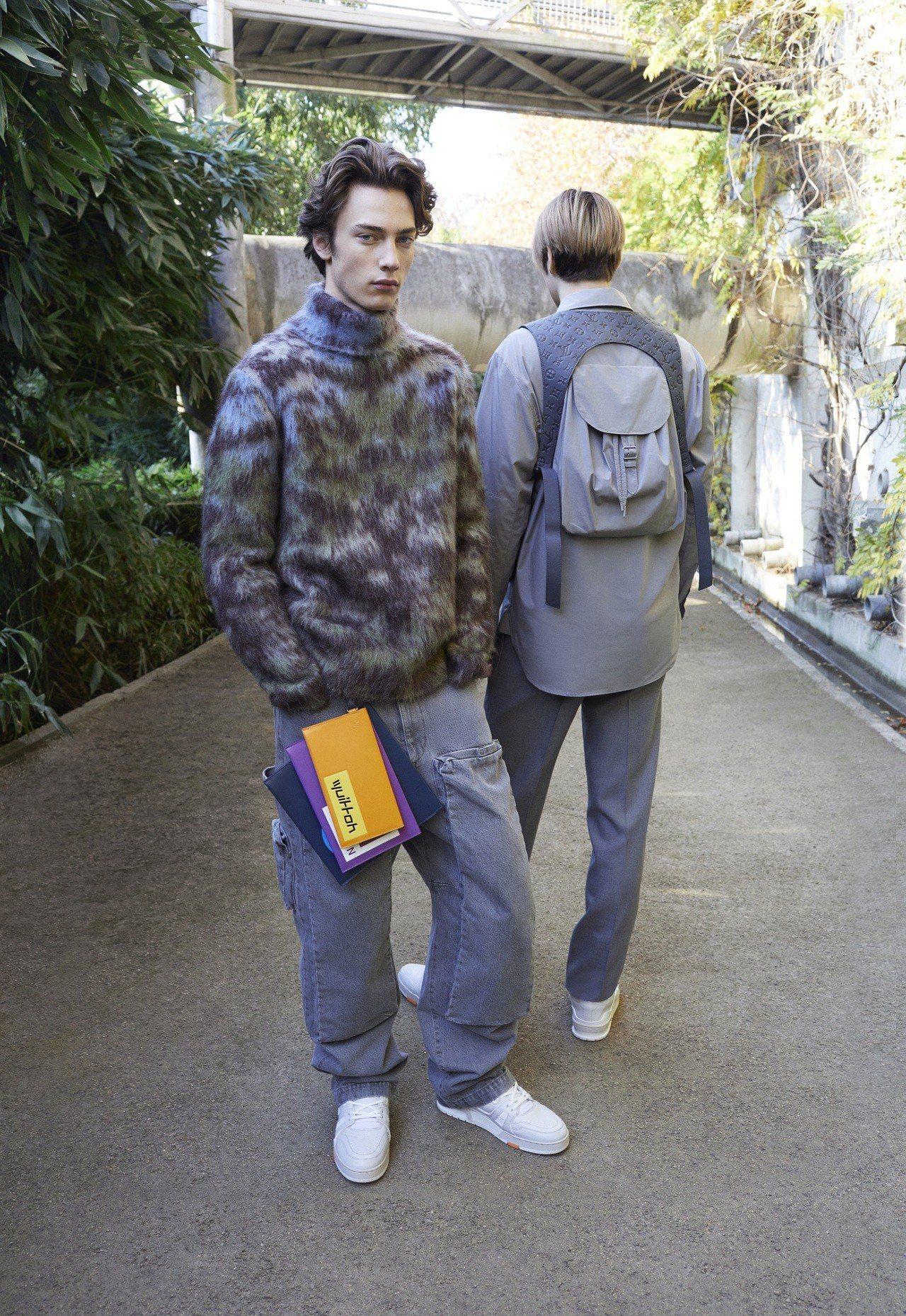 多樣尺寸的扁平手提包是早秋重點單品。圖/LV提供