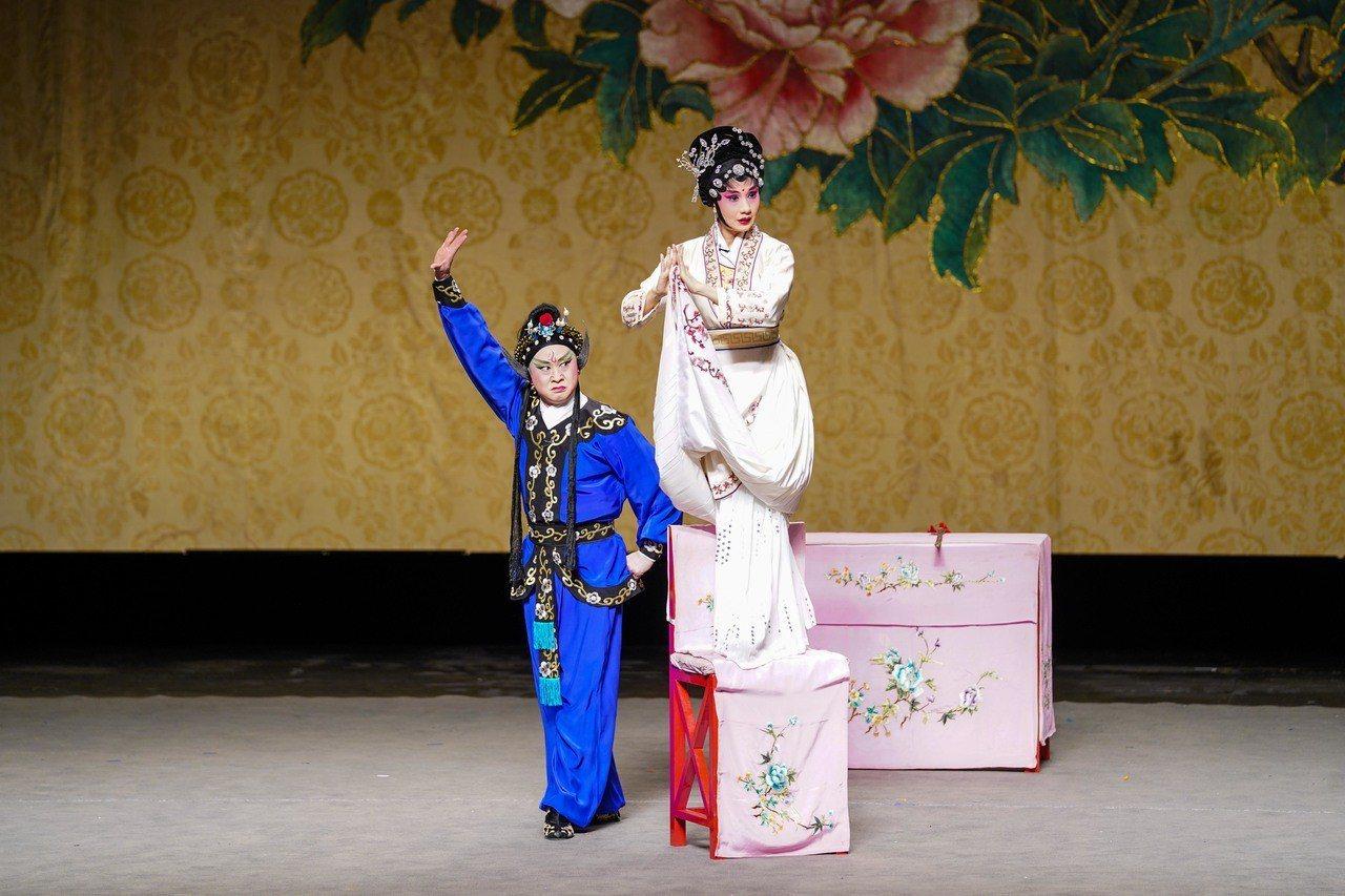 四川省川劇院用黃金陣容帶領觀眾進入一窺川劇的魔幻藝境。圖/傳藝中心提供