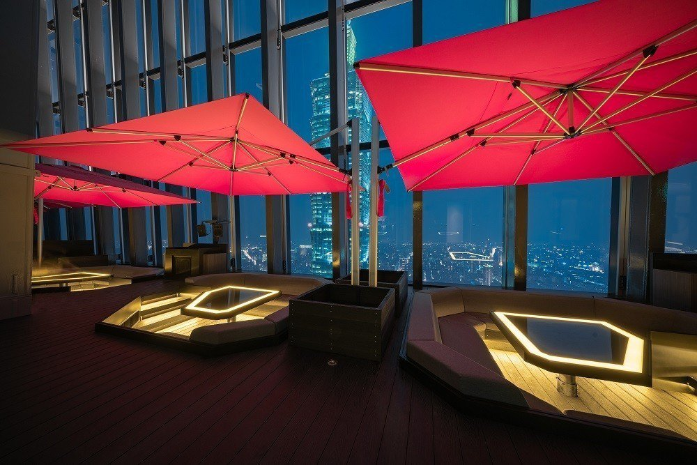 微風南山CÉ LA VI SKY Bar & Lounge。圖/微風提供