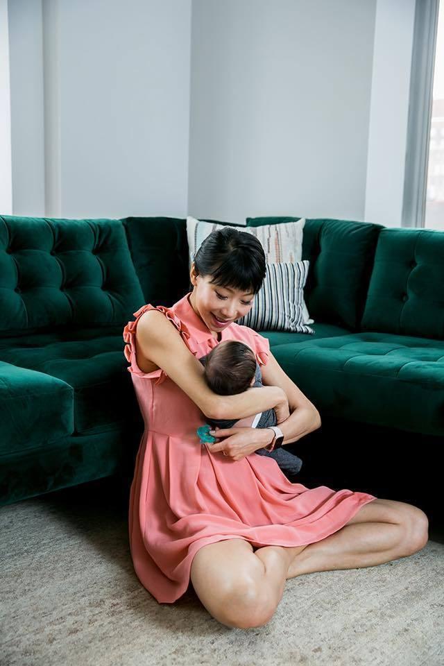 胡婷婷與兒子。圖/摘自臉書