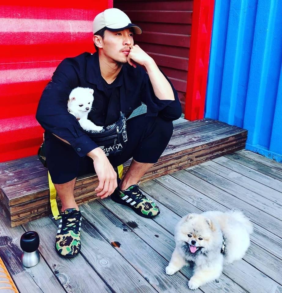 陳禕倫是健身控,走到哪都能運動。圖/摘自臉書