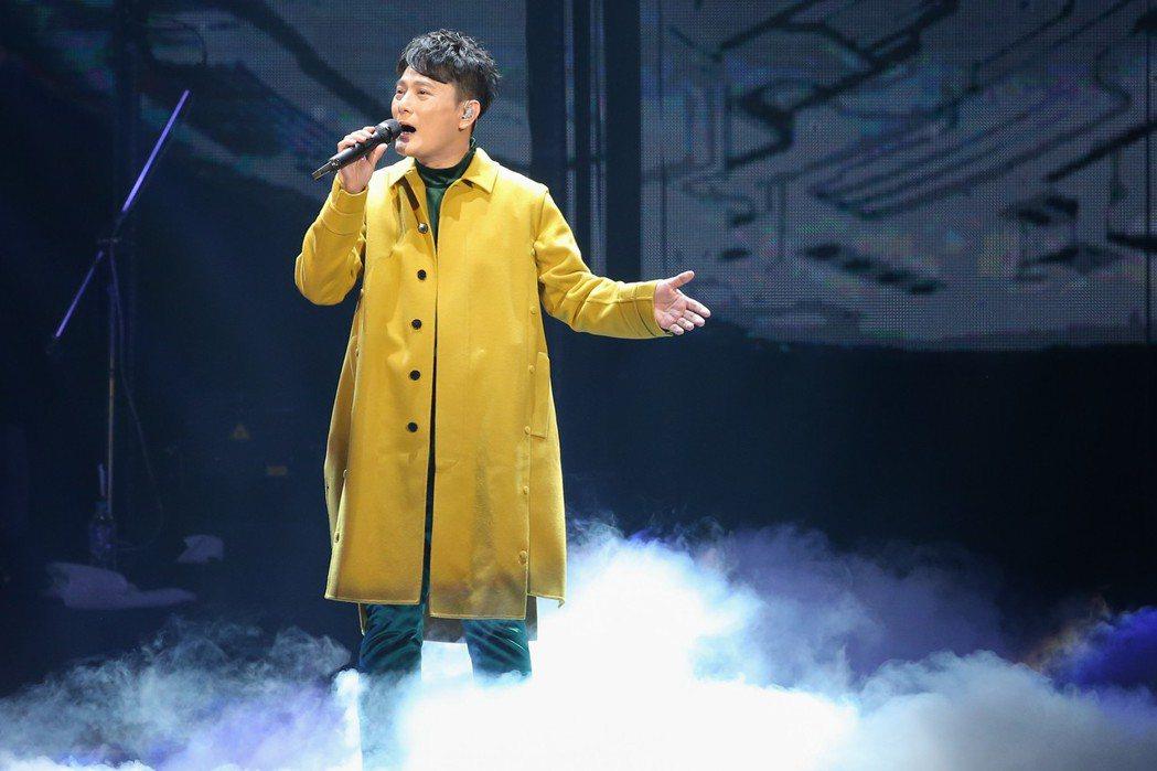 張信哲6日在台北小巨蛋開唱。記者葉信菉/攝影