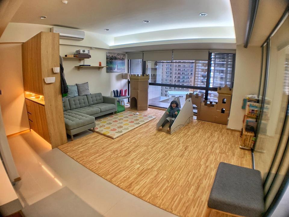 宥勝最近搬新家,豪宅客廳曝光。圖/摘自臉書
