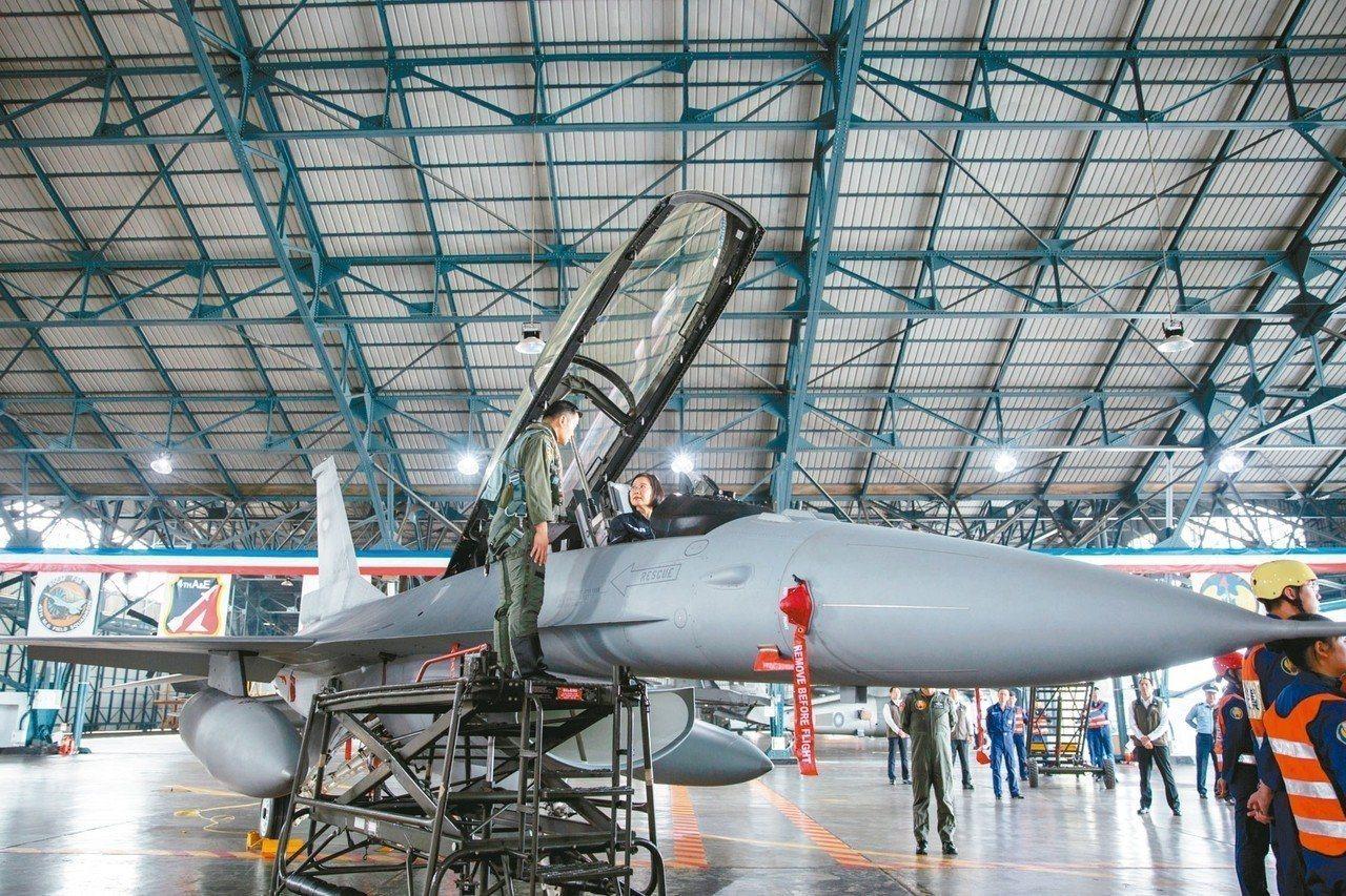 國防部智庫國防安全研究院學者蘇紫雲指出,共軍部署S-400飛彈射程雖達400公里...